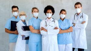 Lee más sobre el artículo ¿Quién es quién? Descubre a qué se dedica cada profesional de la salud